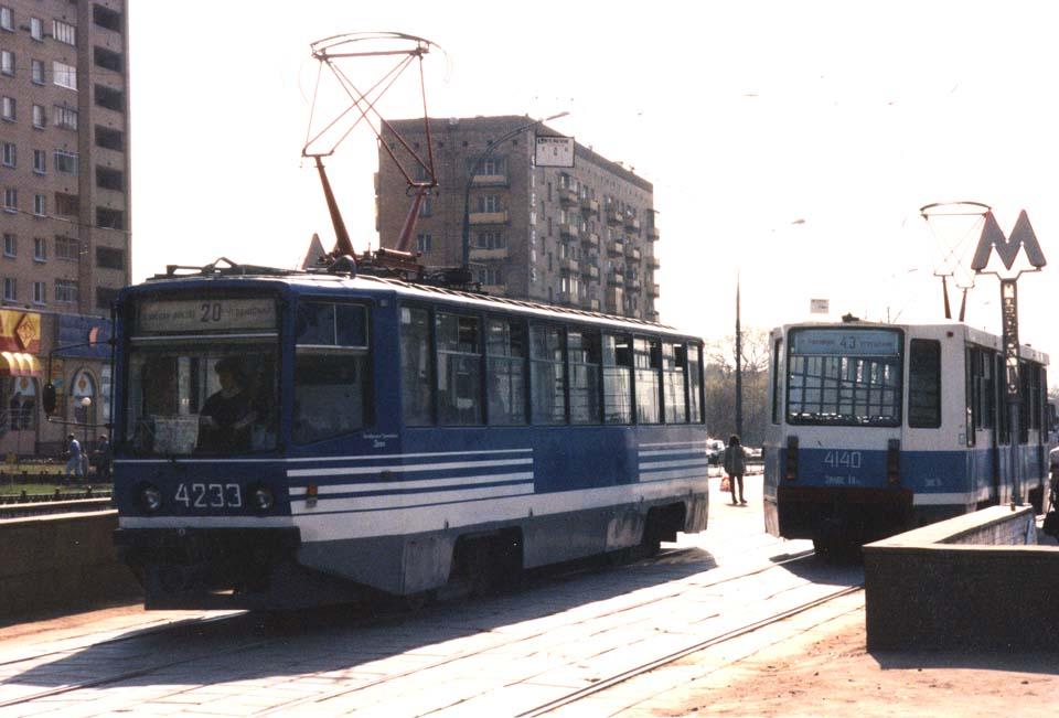 Москва. 71-608КМ (КТМ-8М) №4233, 71-608К (КТМ-8) №4140