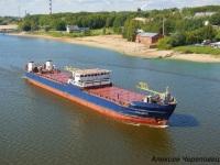 Череповец. Средний сухогрузный теплоход СТК-1008 смешанного река-море плавания мощностью 882 кВт и дедвейтом 1663 тонны