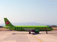 Самолет Airbus A320 (VQ-BRG) компании S7 Airlines