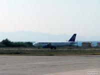 Посадка самолета Airbus A320 (LY-SPD) компании Small Planet Airlines