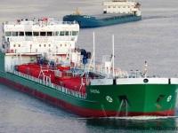 Череповец. Танкер-продуктовоз Бавлы смешанного река-море плавания мощностью 2400 кВт и дедвейтом 6600 тонн