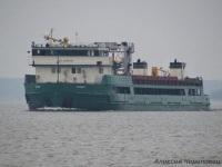 Череповец. Средний сухогрузный теплоход смешанного река-море плавания Салават мощностью 1030 кВт и дедвейтом 1730 тонн