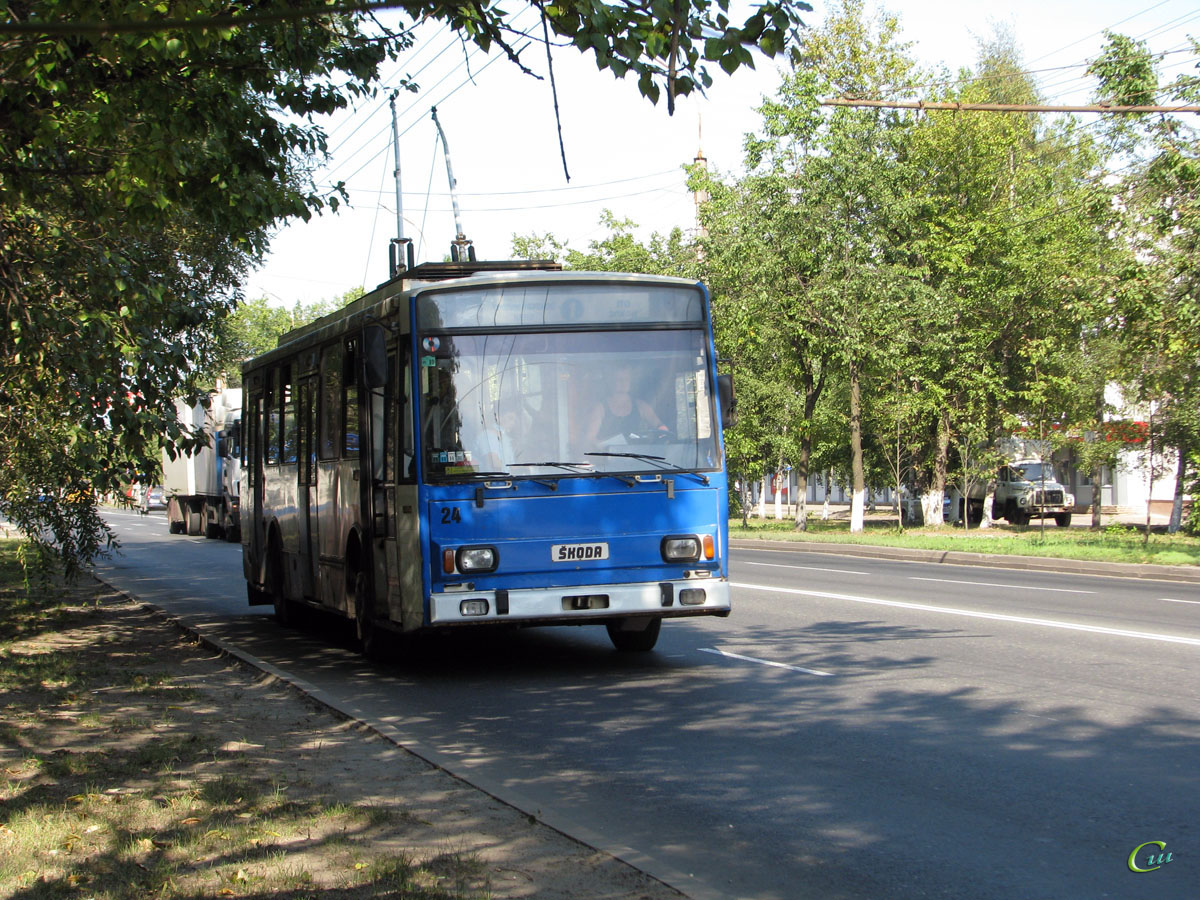Великий Новгород. Škoda 14Tr №24
