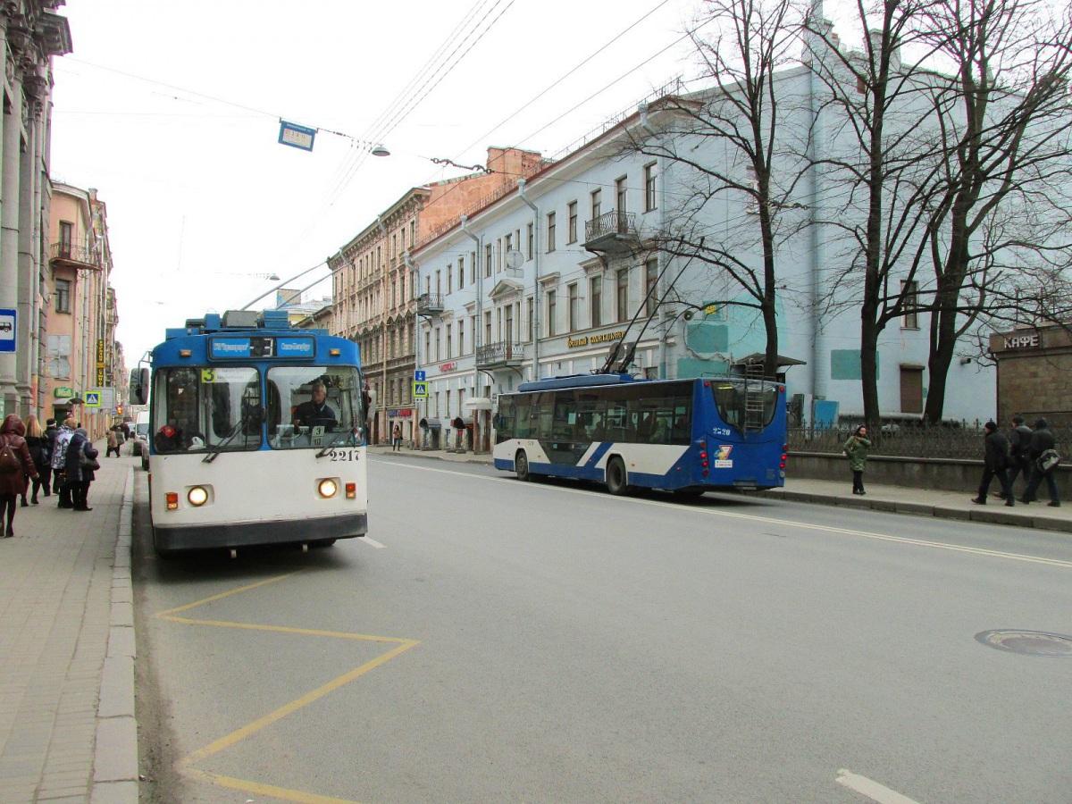 Санкт-Петербург. ВМЗ-170 №2217, ВМЗ-5298.01 №2320
