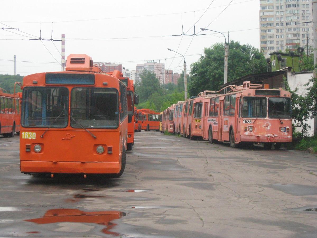 Нижний Новгород. ЗиУ-682Г00 №1630, ЗиУ-682Г00 №1625