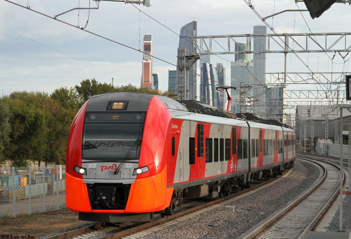 Москва. ЭС2Г-021