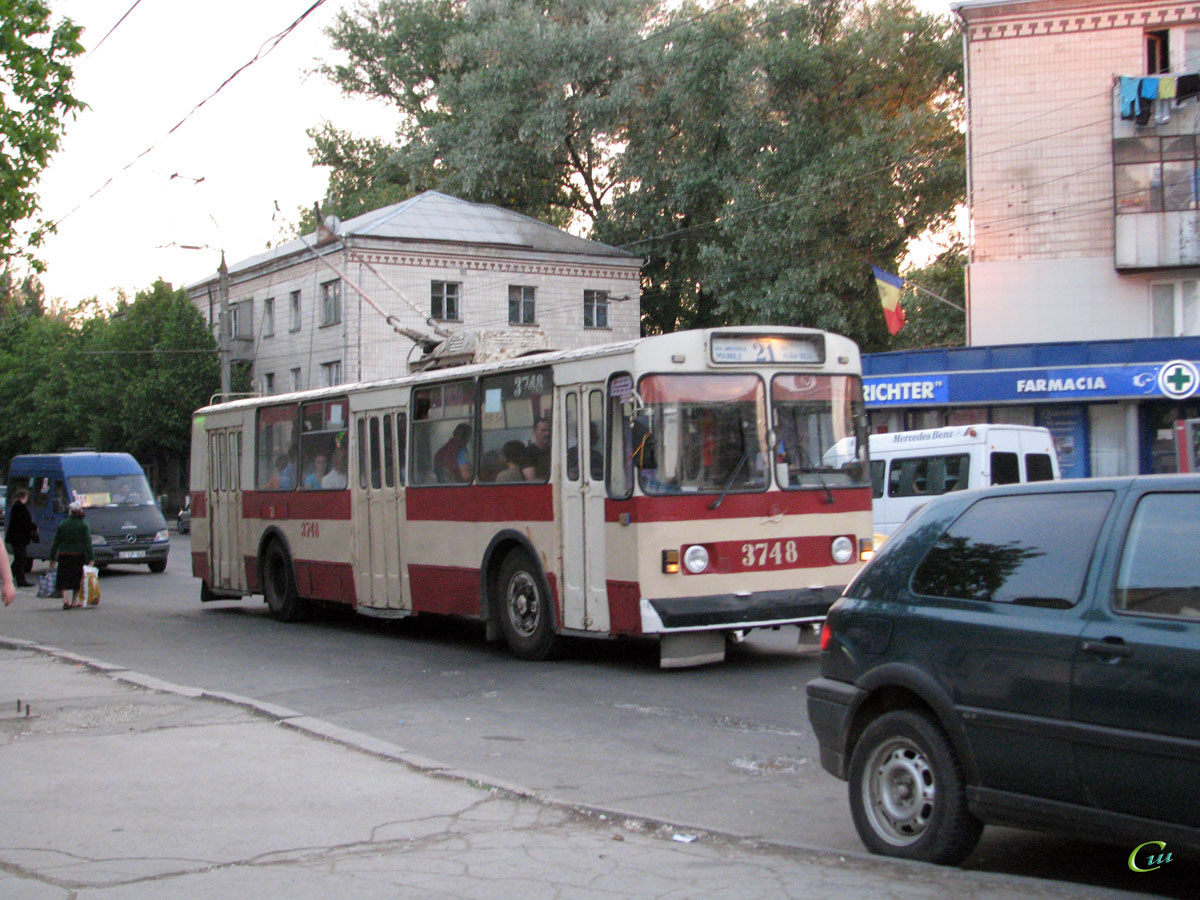 Кишинев. ЗиУ-682В00 №3748
