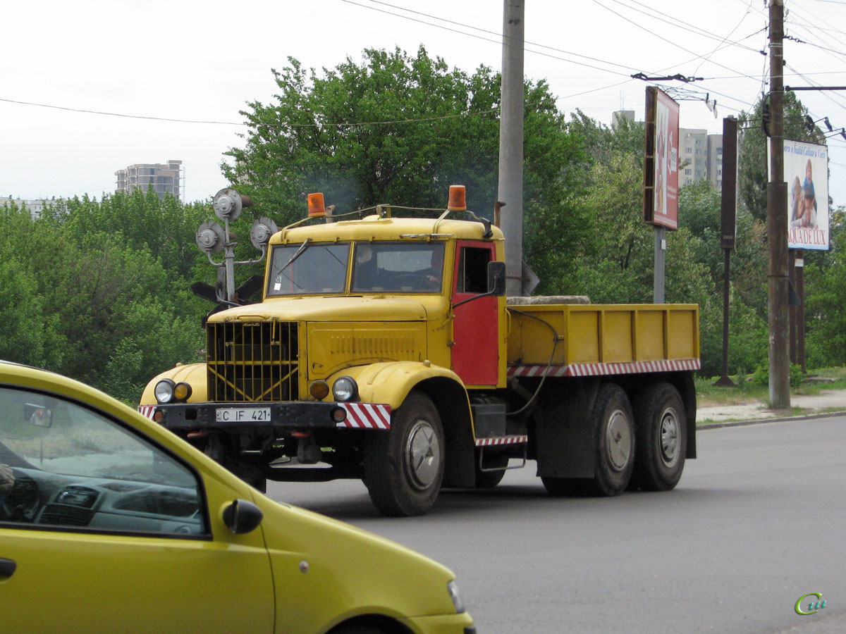 Кишинев. Тягач КрАЗ-257 (C IF 421)
