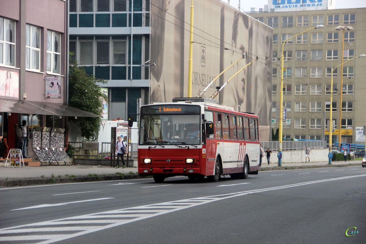 Прешов. Škoda 14Tr17/6M №121