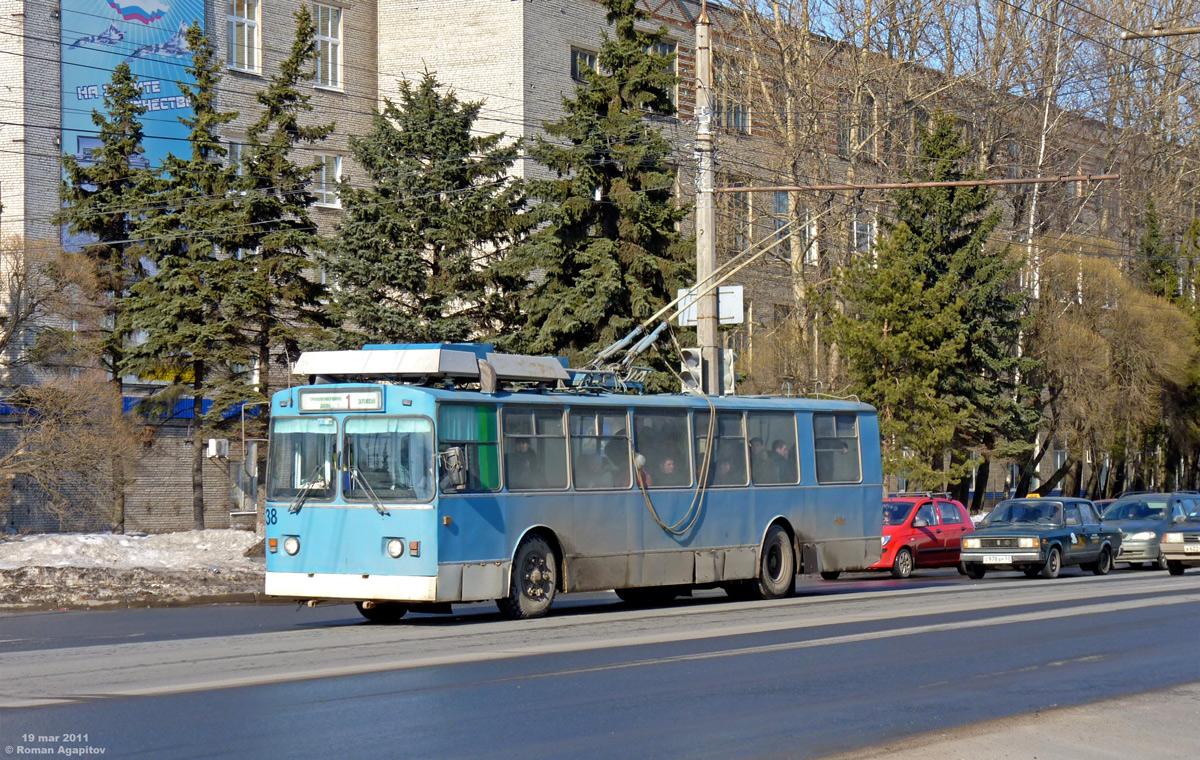 Великий Новгород. ЗиУ-682 КР Иваново №38