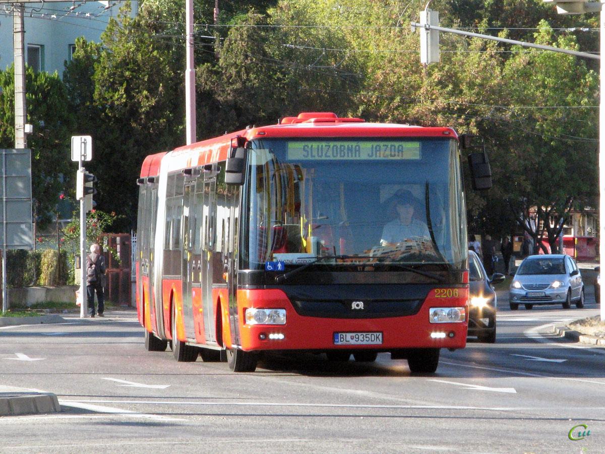 Братислава. SOR NB 18 BL-935DK