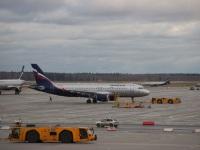 Москва. Самолет Airbus A320 (VP-BWD) Александр Алябьев авиакомпании Аэрофлот