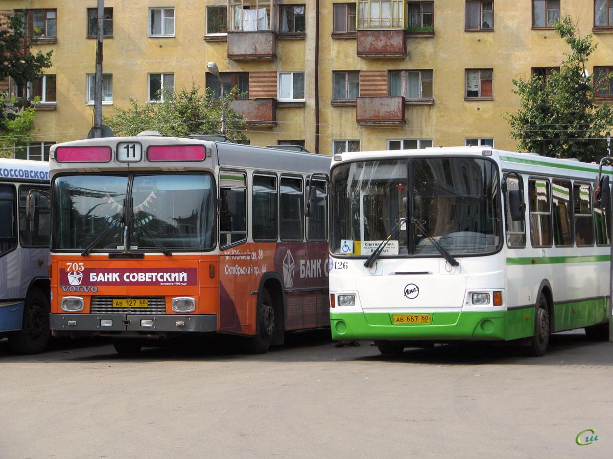 Псков. Hess (Volvo B10M-C) ав127, ЛиАЗ-5293 ав667