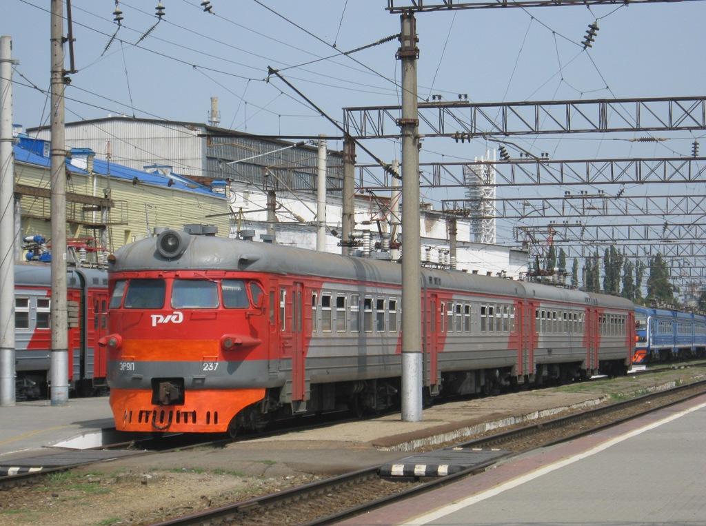 Краснодар. ЭР9ПК-237