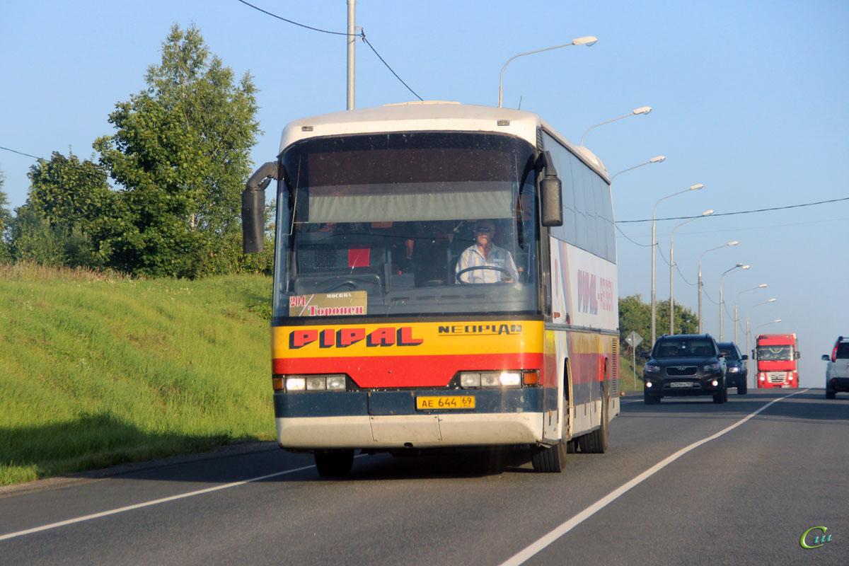 Ржев. Neoplan N316SHD Transliner ае644