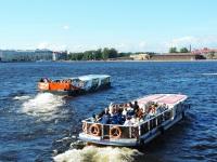 Санкт-Петербург. Два экскурсионных пассажирских теплохода - Сиерра-2 (пр
