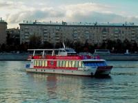 Москва. Пассажирский теплоход-катамаран Снегири-1, проект 19