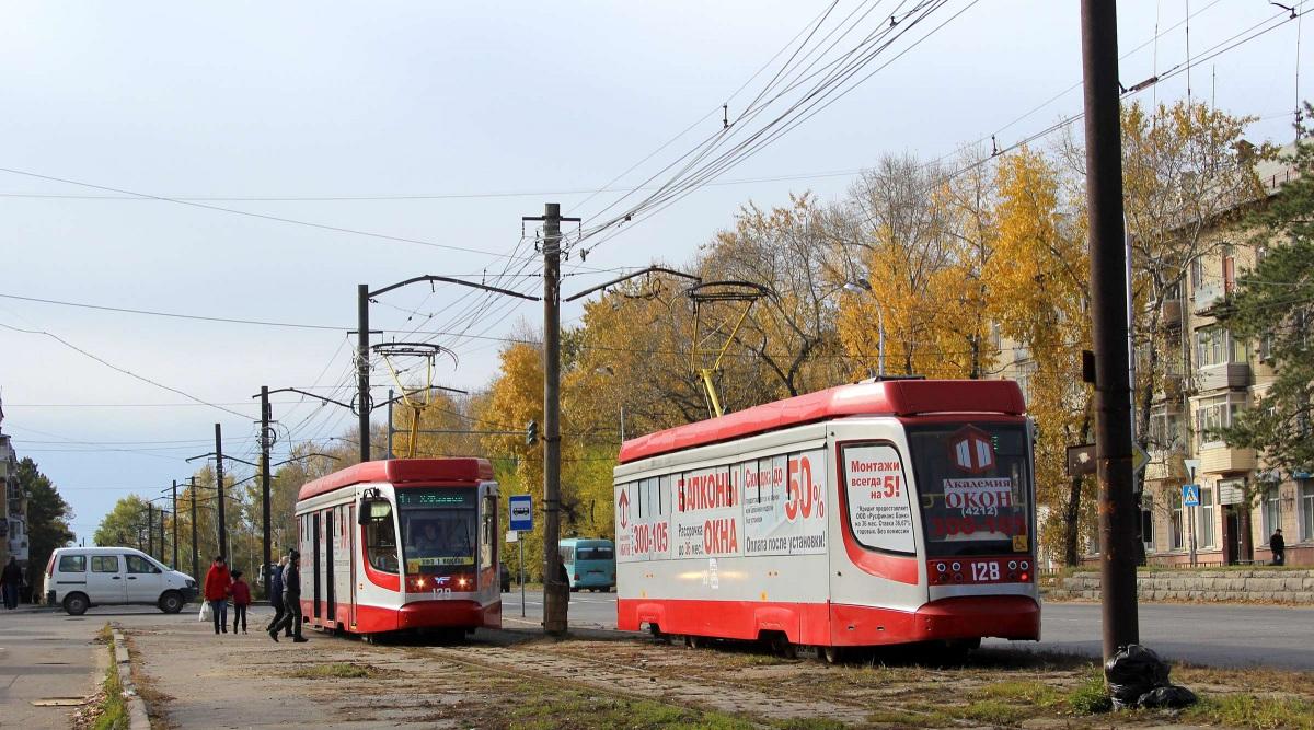 Хабаровск. 71-623-02 (КТМ-23) №129, 71-623-02 (КТМ-23) №128