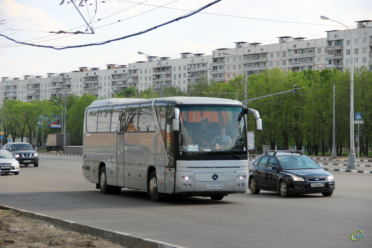 Москва. Mercedes O350 Tourismo е727ех