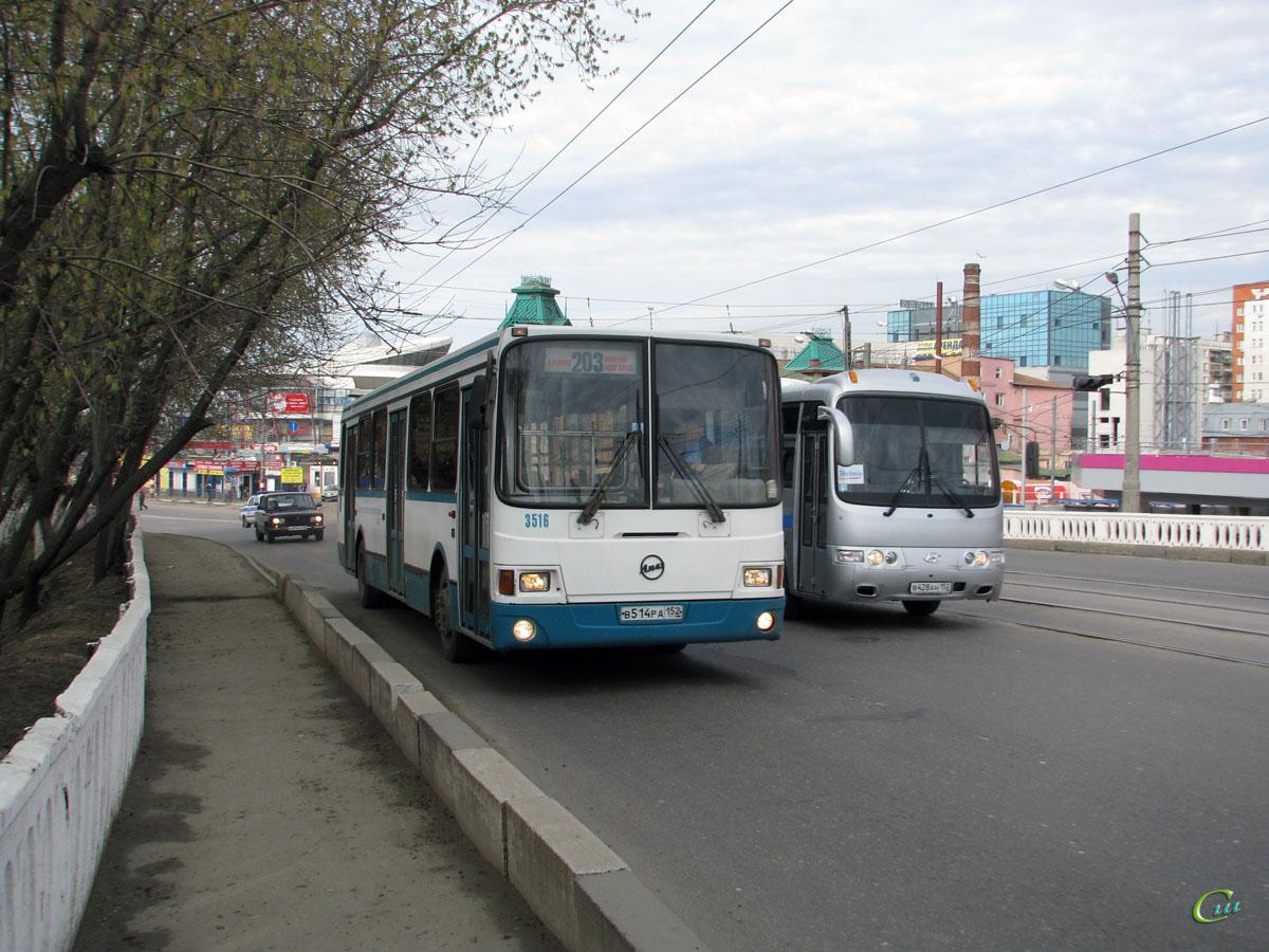 Нижний Новгород. ЛиАЗ-5256.25 в514ра, Hyundai AeroTown в428ан