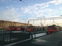 Санкт-Петербург. ЭР2Т-7195, ЭР2Т-7172, ЭТ2М-042, ЭТ2М-094