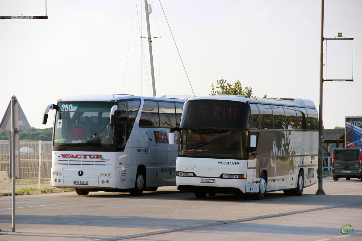 Пула. Mercedes-Benz O350 Tourismo KN 53713, Neoplan N116H Cityliner ST 7531-A