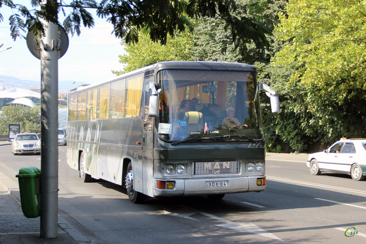 Тбилиси. MAN FRH362 XDX-041