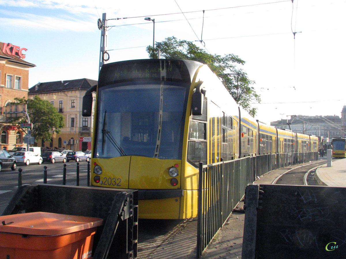Будапешт. Siemens Combino Supra NF12B №2032