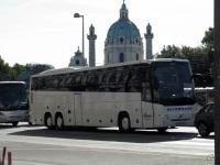 Вена. Volvo 9900 WN 892 CA