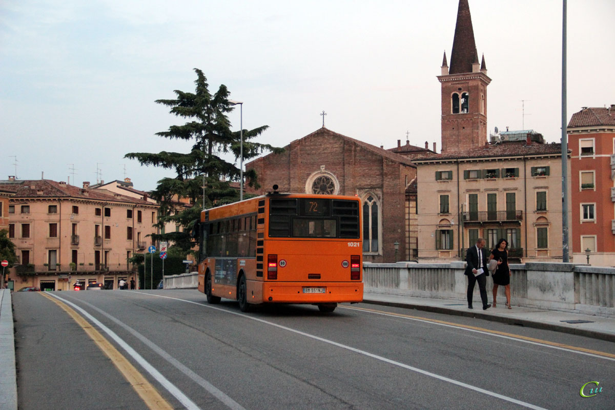 Верона. BredaMenarinibus M231 BM 351NJ