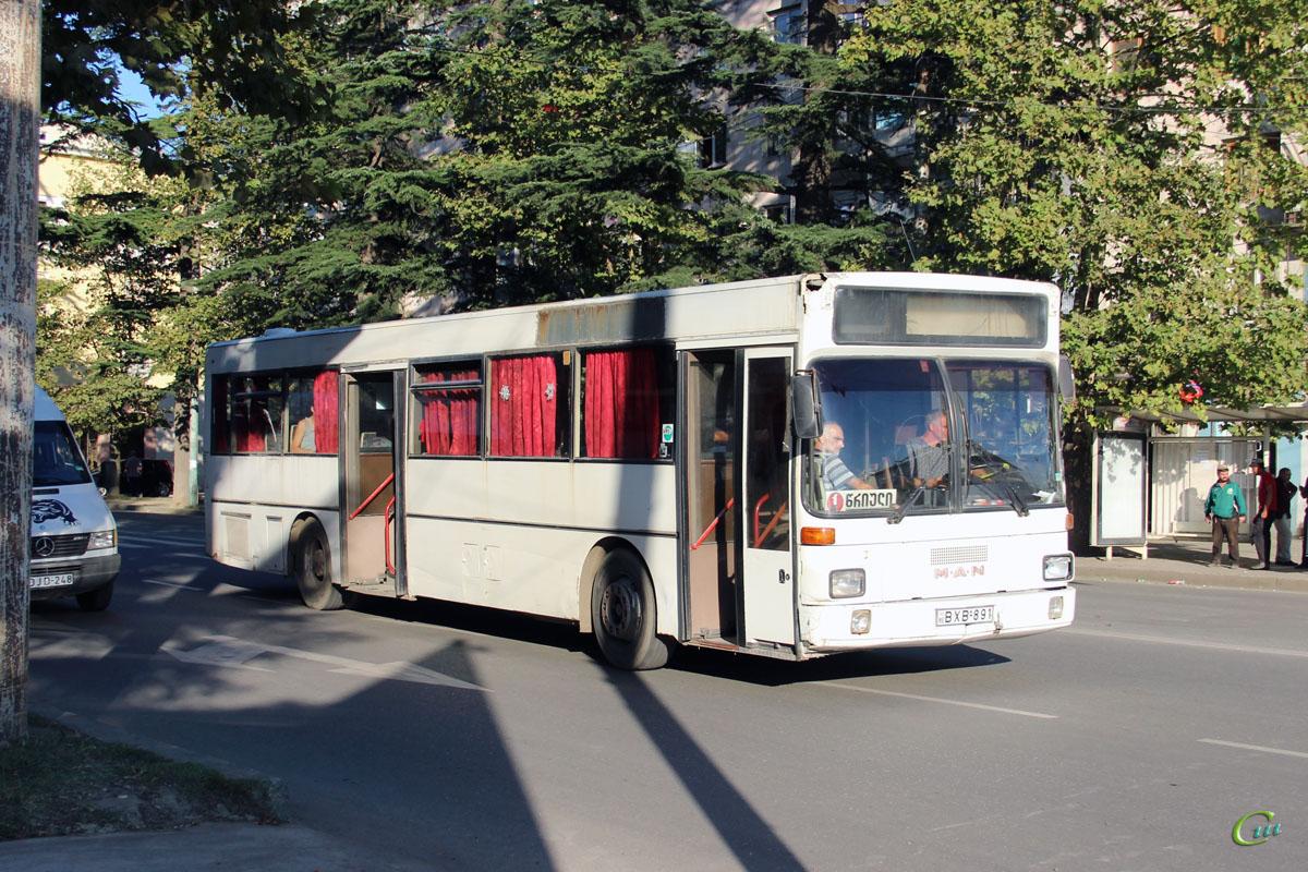 Кутаиси. MAN SL202 BXB-891