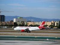 Лос-Анджелес. Самолет Airbus A319 (N529VA) авиакомпании Virgin America