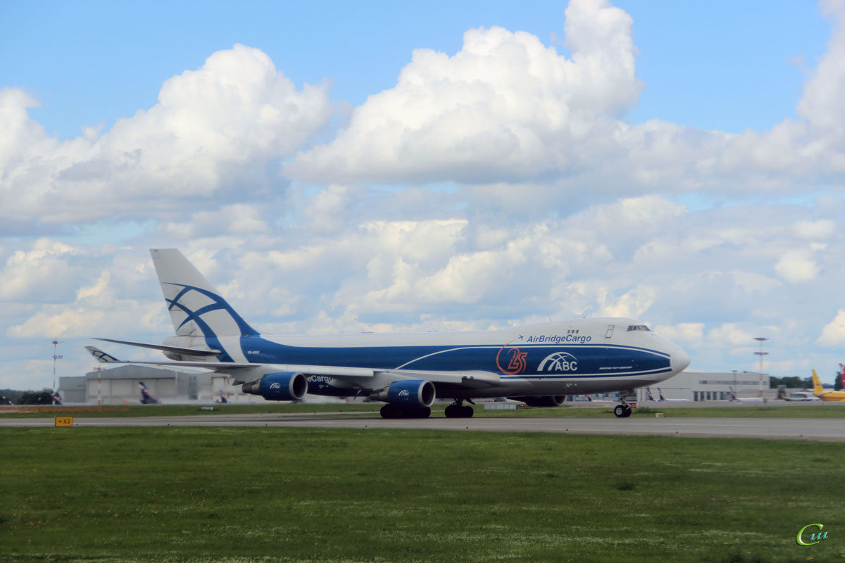 Москва. Самолет Boeing 747 (VQ-BUU) авиакомпании AirBridge Cargo