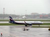 Москва. Самолет Airbus A320 (VQ-BAY) Степан Крашенинников авиакомпании Аэрофлот (Aeroflot) и другие