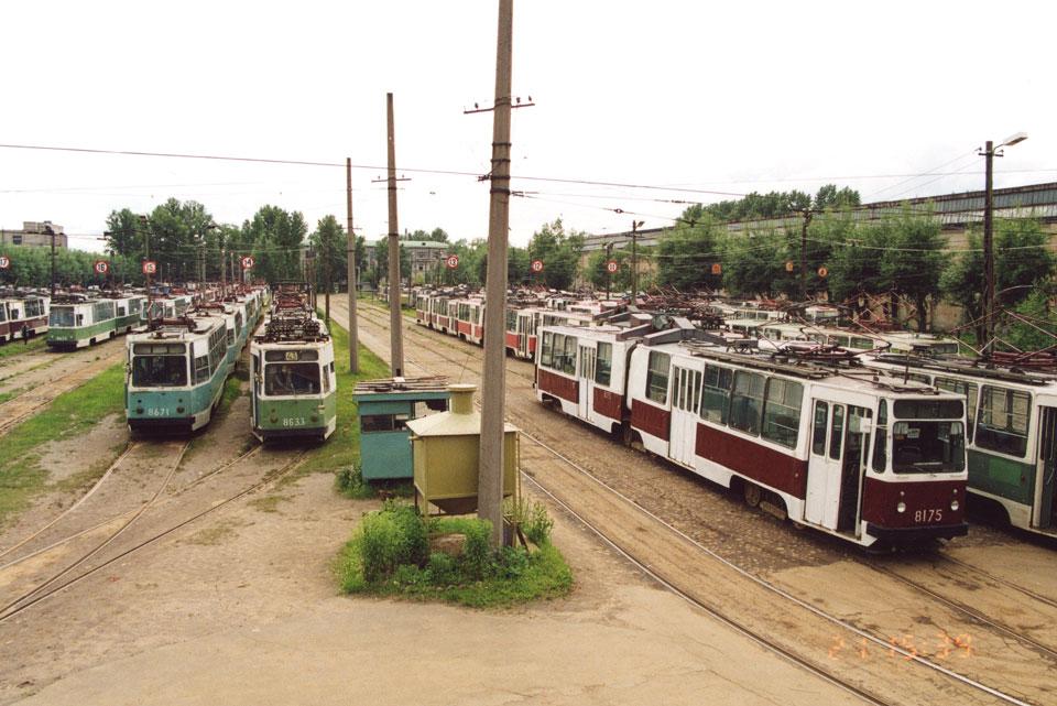 Санкт-Петербург. ЛВС-86К №8175, ЛМ-68М №8633, ЛМ-68М №8671