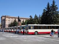 Челябинск. Автобусы ЛиАЗ на площади Революции