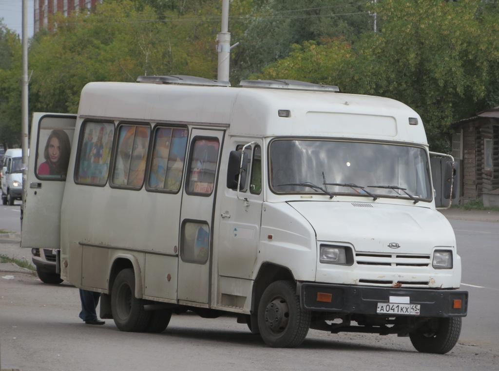 Курган. КАвЗ-3244 а041кх