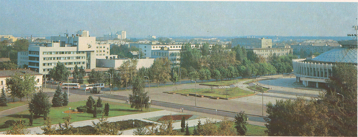 Кострома. Автобусы ЛАЗ-695Н и троллейбус ЗиУ-682В
