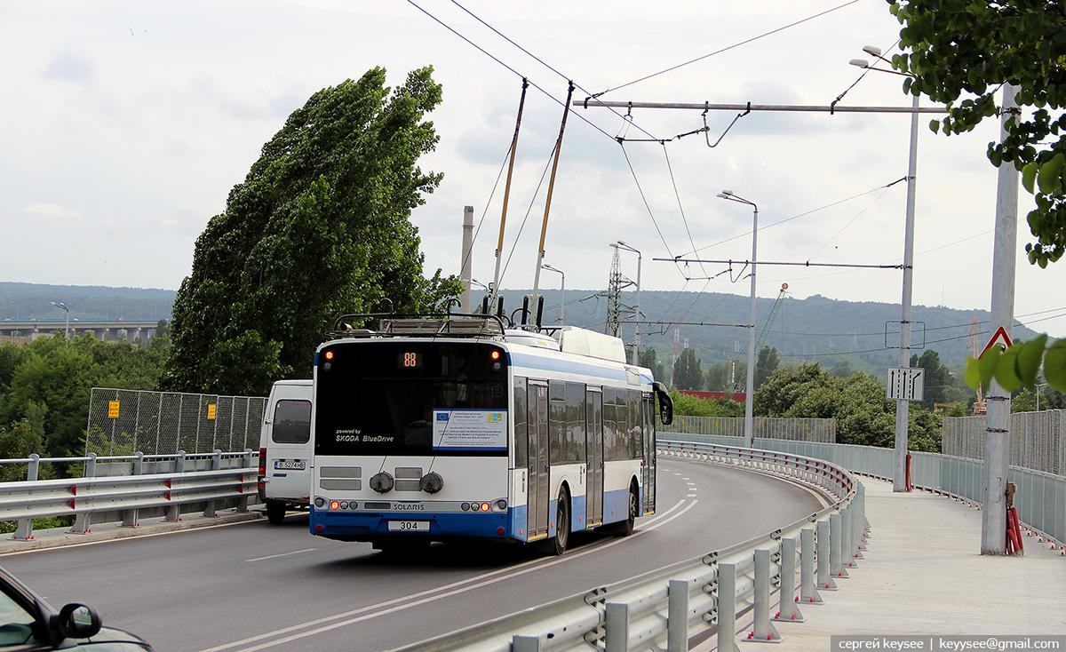 Варна. Škoda 26Tr Solaris №304