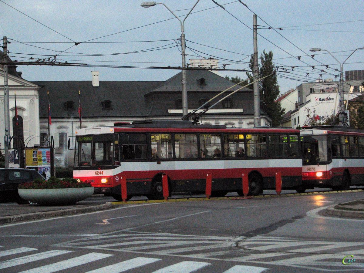 Братислава. Škoda 14Tr08/6 №6244