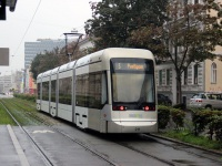 Грац. Stadler Variobahn №211