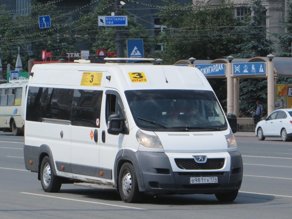 Челябинск. Нижегородец-2227 (Peugeot Boxer) в981тх