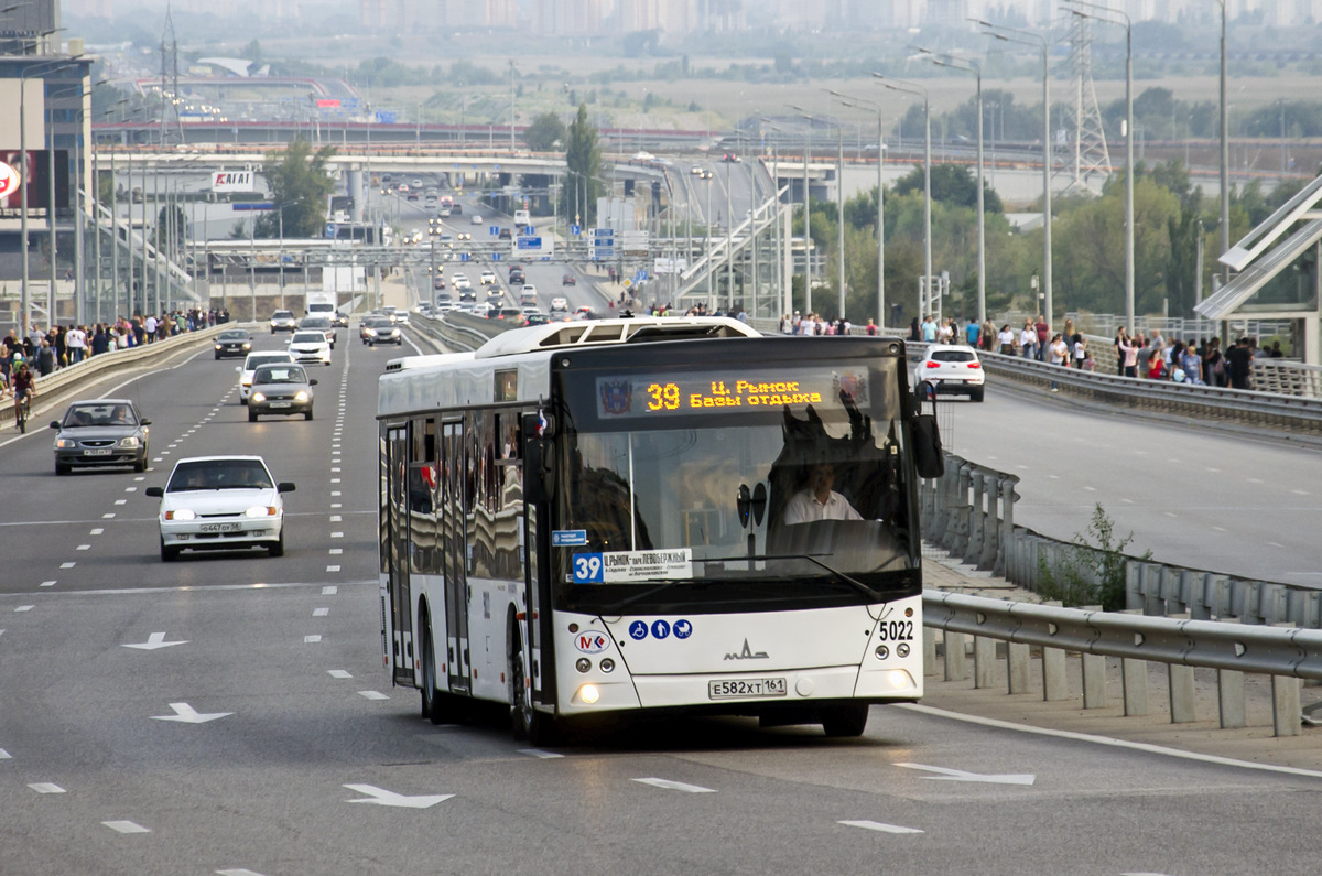 Ростов-на-Дону. МАЗ-203.069 е582хт