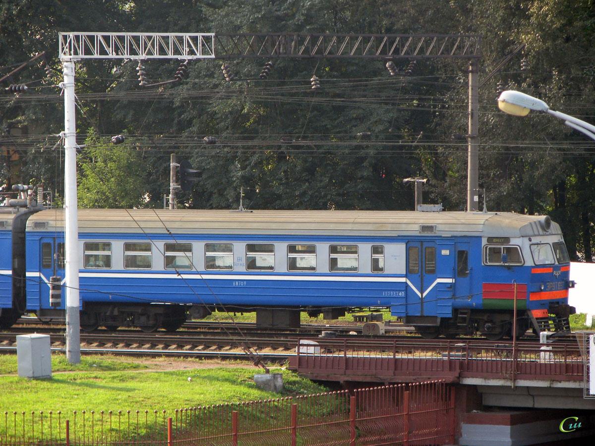 Минск. ЭР9Т-687