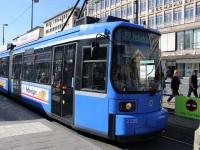 Мюнхен. Adtranz R2.2 №2135