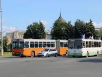 Псков. Hess (Volvo B10M-C) ав130, ЛиАЗ-5256.26 ав397