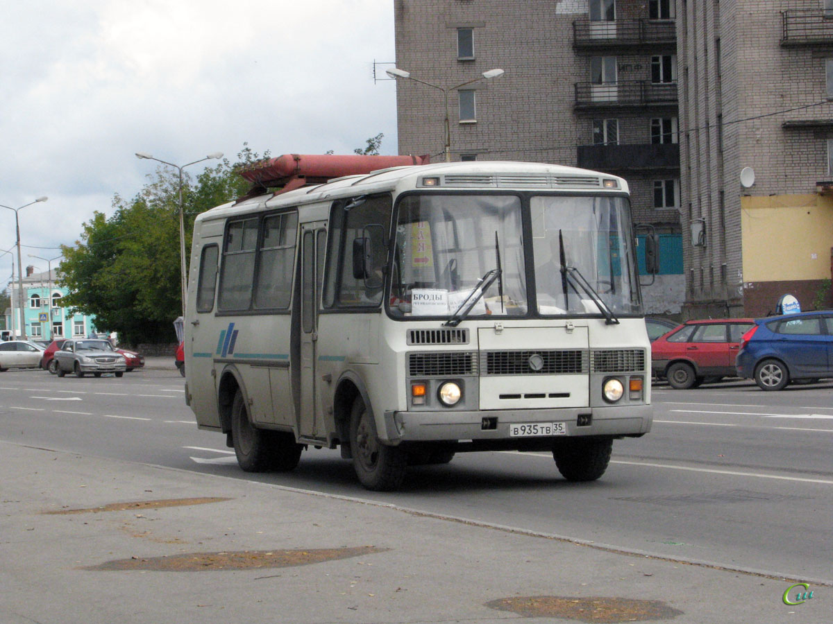 Череповец. ПАЗ-32053 в935тв