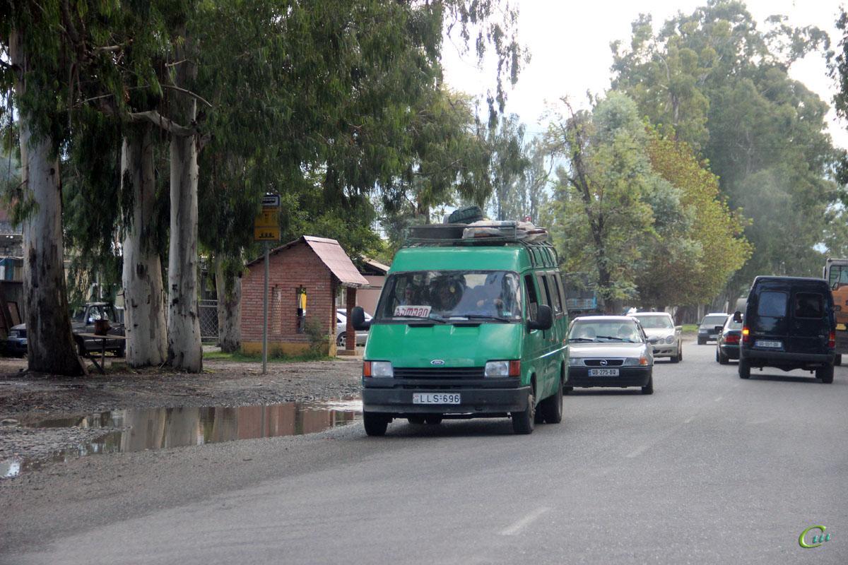 Батуми. Ford Transit LLS-696