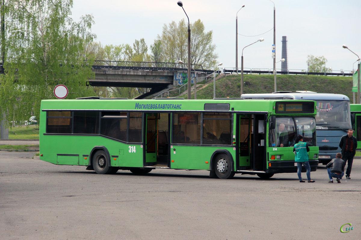 Бобруйск. МАЗ-103.С62 TA7114
