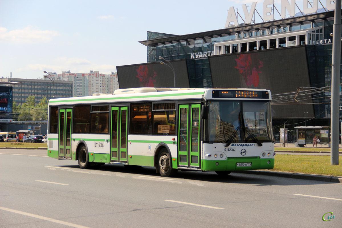 Москва. ЛиАЗ-5292.21 н875рн